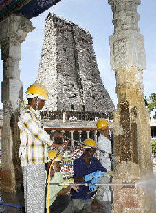 Meenakshi Temple Cleaning